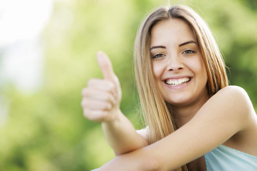 woman thumbs up, independent civil service